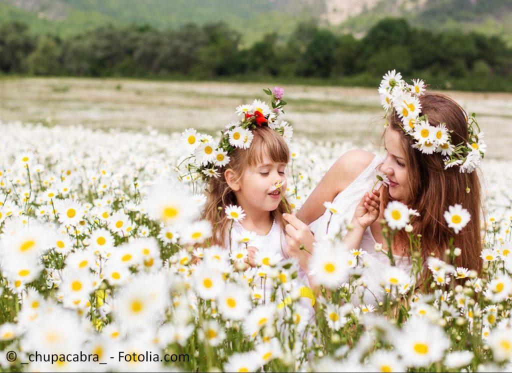 Professionelle Kinderbetreuung und Animation bedeuten Entspannung für das Hochzeitsfest - #65555480   © _chupacabra_ - Fotolia.com